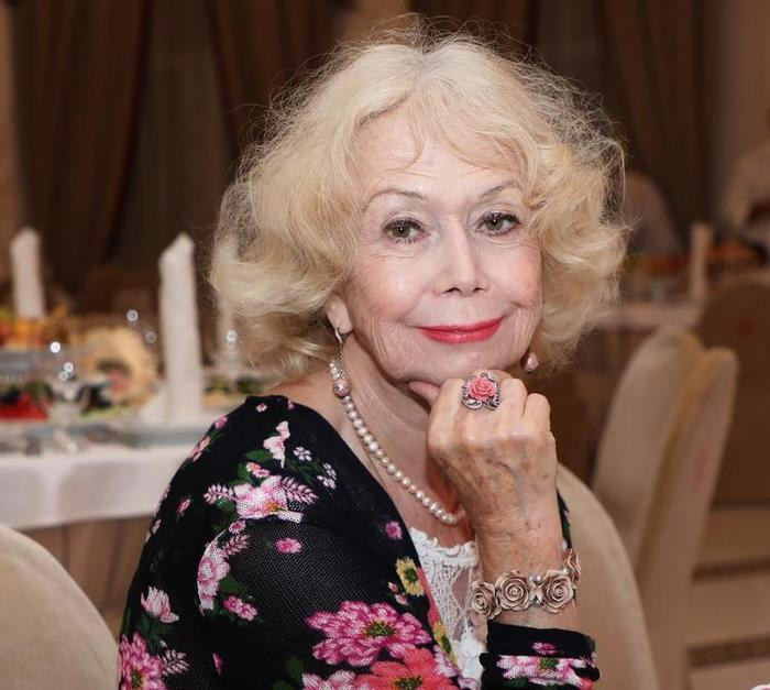 Новые фотографии Светланы Немоляевой очаровали пользователей: настоящая красавица!