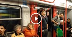 Пассажиры, как обычно, ехали в метро. То, что случилось дальше, шокирует!