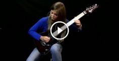 «Лунная соната» в исполнении 17-летней гитаристки. Это что-то невероятное!